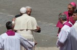pope_described_the_Palestinian_leader_as_an_angel_of_peace_a-a-92_1431869419523